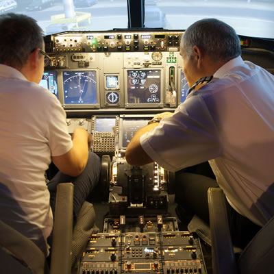 5 HOUR 737 FLIGHT SIMULATOR COURSE